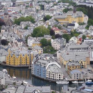 По Норвегии на авто: дорога до Олесунна