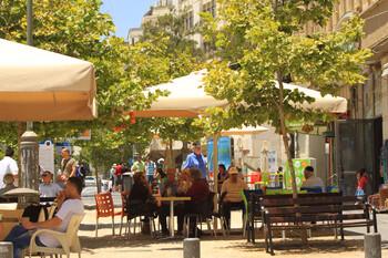 Израиль откроет бары, рестораны и бассейны
