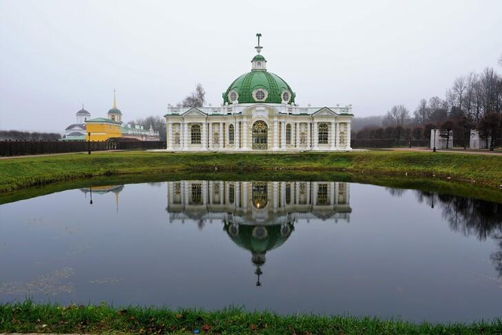 Павильон Грот в усадьбе Кусково