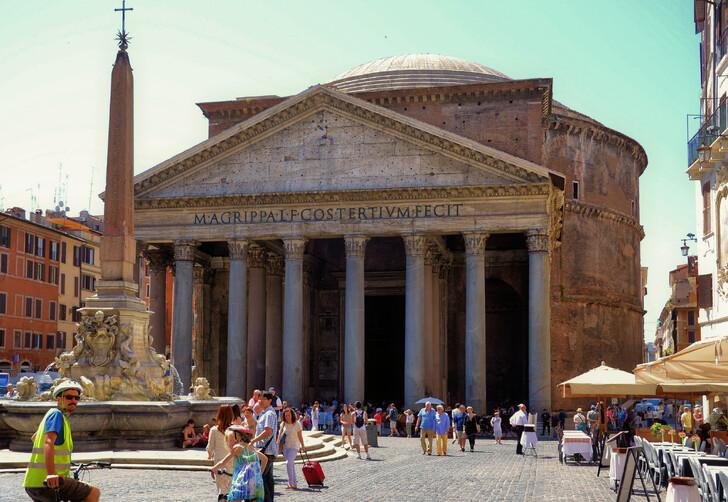 Античный Пантеон