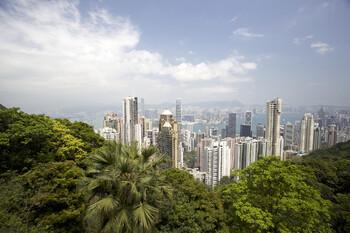Гонконг начнёт принимать транзитные авиарейсы