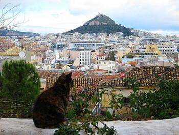Международное авиасообщение с Афинами возобновится 15 июня