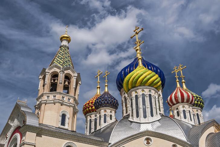 Соборный храм святого князя Игоря Черниговского в Переделкино