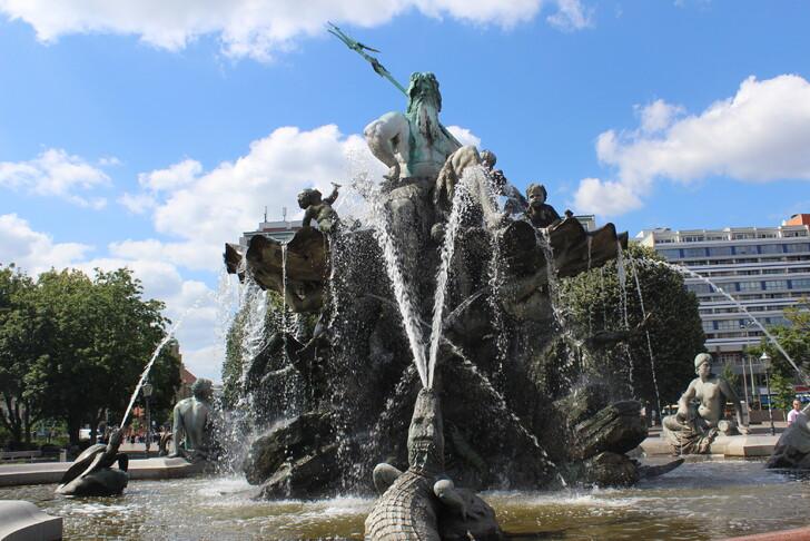 Фонтан «Нептун» на Александерплац