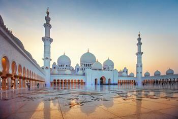 В Абу-Даби продлили действие ограничительных мер ещё на неделю