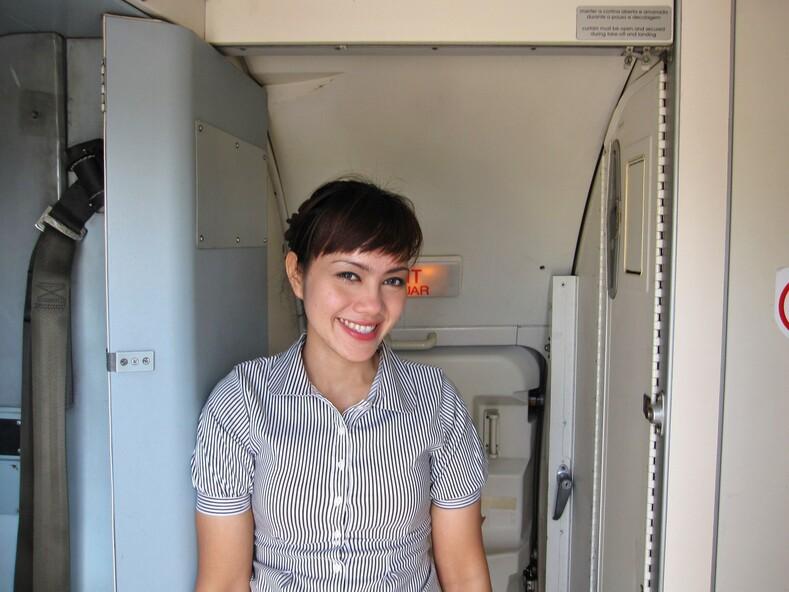 Стюардесса индонезийской авиакомпании Batavia Air.