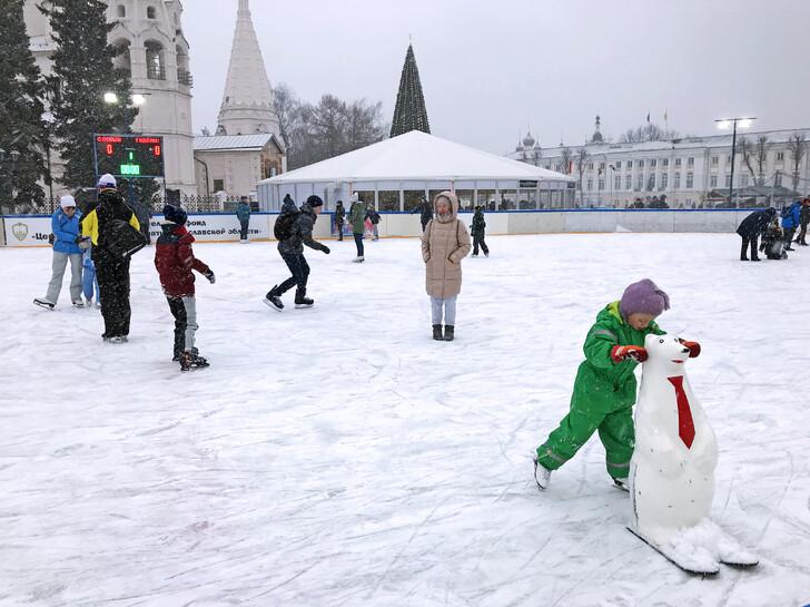 Каток на Советской площади