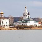 Свято-Троицкий Островоезерский монастырь