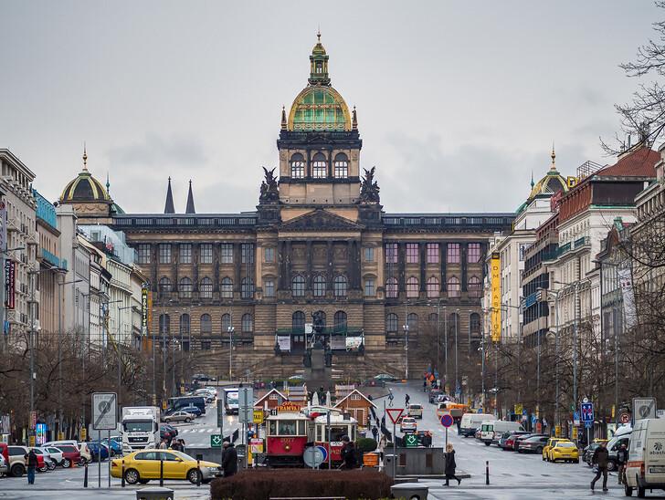 Национальный музей на Вацлавской площади