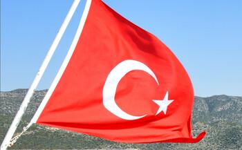 Во время землетрясения в Турции пострадали 18 человек