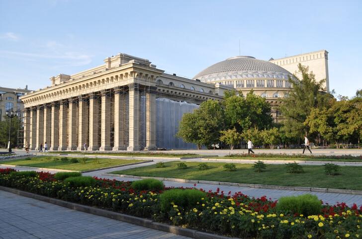 Театр оперы и балета НОВАТ