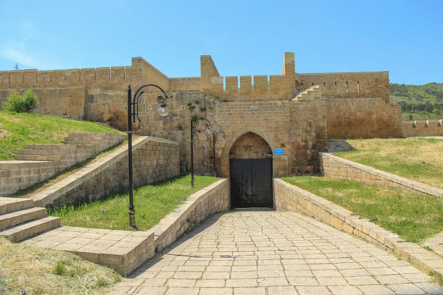 Западные ворота цитадели