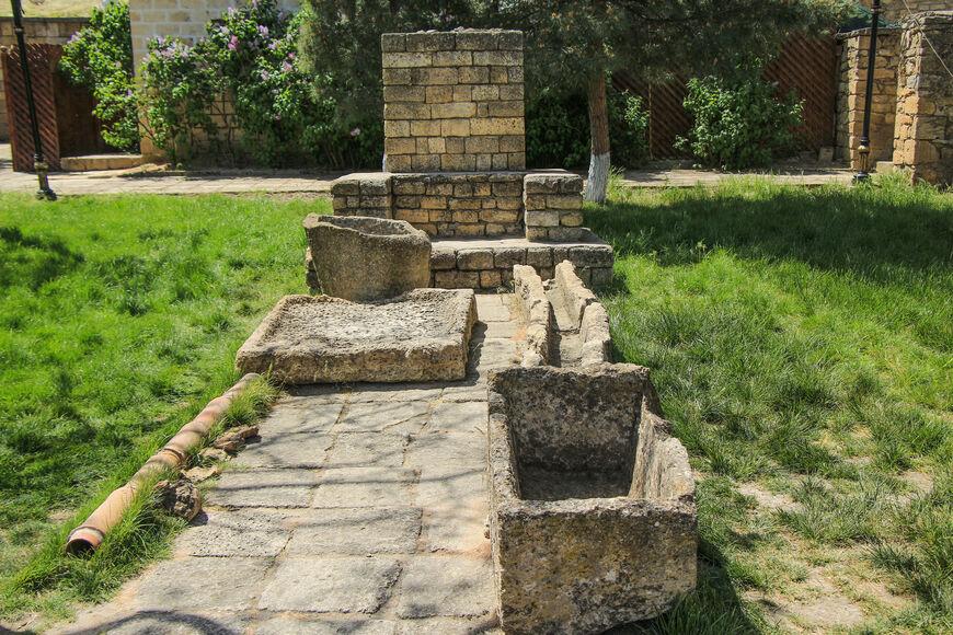 Сохранившиеся фрагменты системы водоснабжения