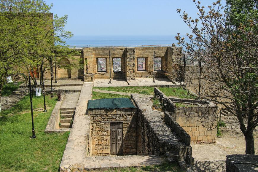 Руины ханского дворца