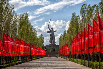 В Волгограде после реставрации открылся монумент Родина-мать зовет!