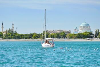 Крым в июле ожидает до 1.5 млн туристов