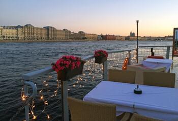 Парки и летние кафе откроются в Петербурге