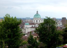 Брешиа — город для любителей истории. Италия