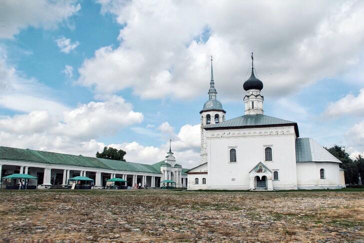 Торговая площадь – одно из главных мест народных гуляний