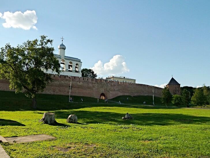 Новгородский кремль и Софийская звонница