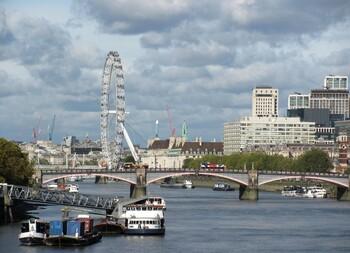 Великобритания примет без карантина граждан 59 стран