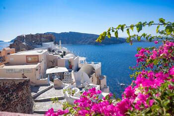 Греция примет британских туристов с 15 июля