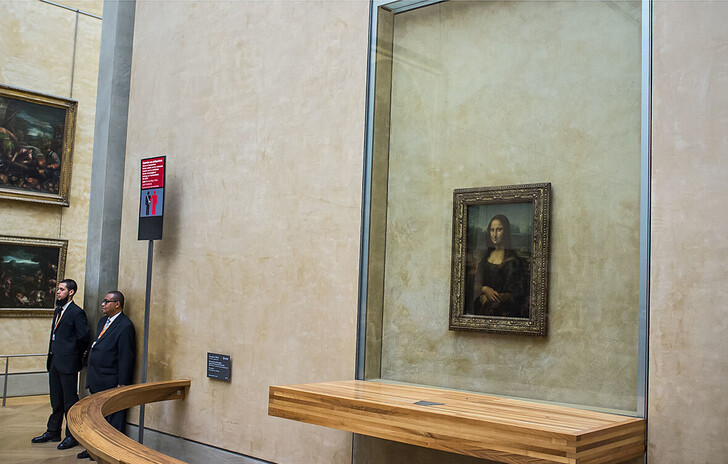 «Мона Лиза» Леонардо да Винчи в Лувре
