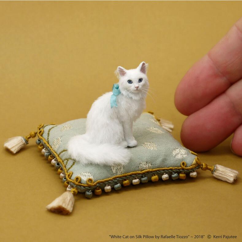 Не отличить от живых: американка делает крохотные статуэтки животных в масштабе 1:12