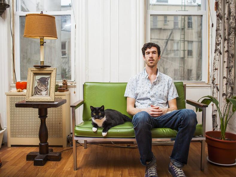 Сильные и независимые: фото мужчин и их усатых питомцев, ломающих стереотип об одиноких кошатницах
