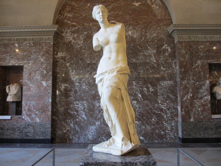 Венера Милосская в Лувре