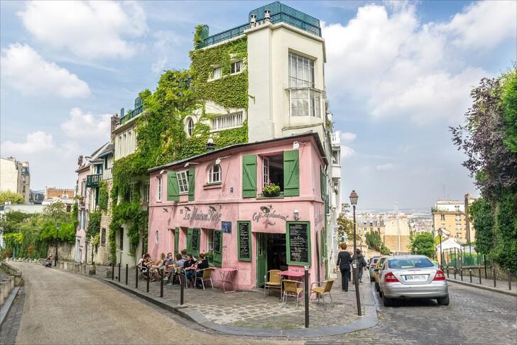 Розовый дом на Монмартре