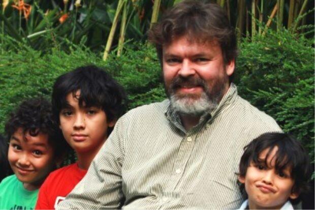 С отцом и братьями