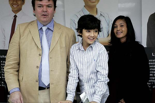 Вундеркинд из Сингапура: что стало с маленьким мальчиком, который обогнал по уровню IQ Эйнштейна и Хокинга