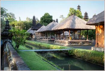 На Бали начали открываться туробъекты