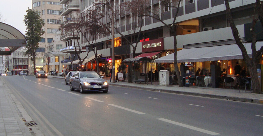 Улица Макариос-авеню в Никосии (Arch. Makarios III Ave)
