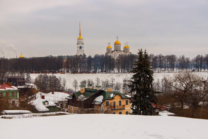 Вид на Успенский собор со смотровой площадки