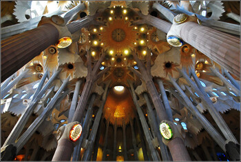 Храм Саграда Фамилия в Барселоне откроется 25 июля