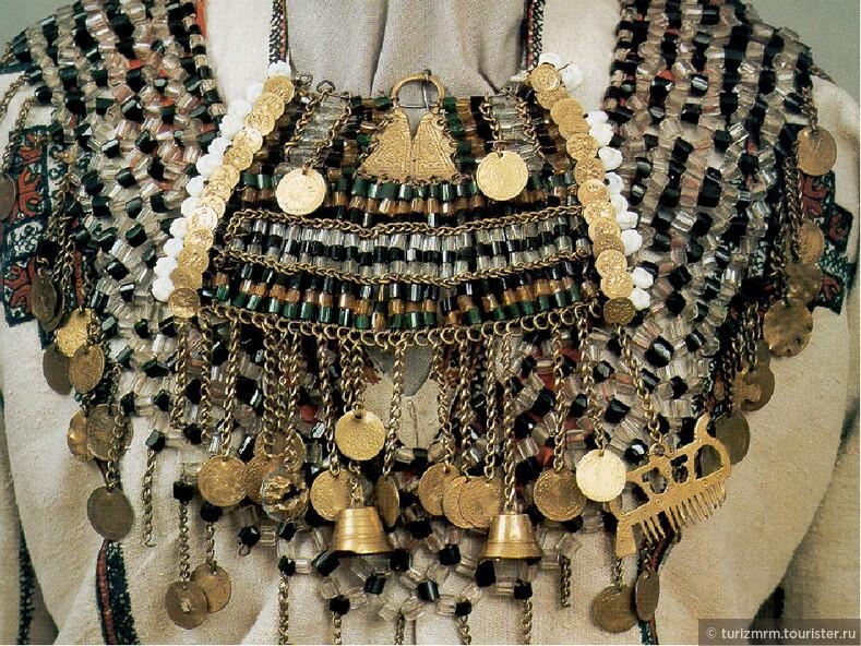 Одежда, как способ преподнести себя миру национальные украшения