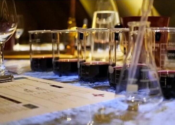 Мастер-класс по созданию собственного вина в Les Caves du Louvre