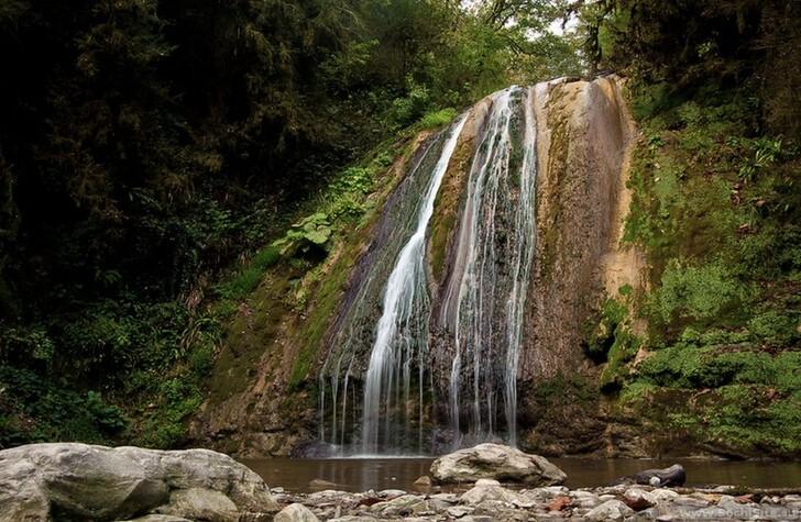 Парк 33 водопада