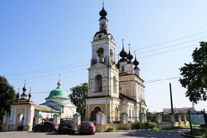 Ансамбль Троицкой и Введенской церквей