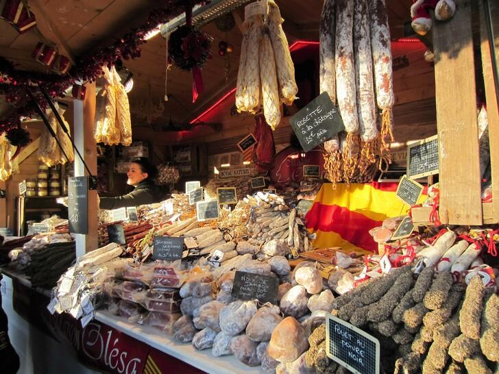 Французские деликатесы на ярмарке
