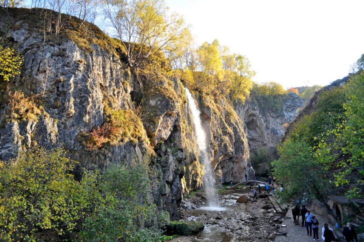 «Медовые водопады»