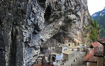 В Турции открыли для посещений православный монастырь Сумела в Трабзоне