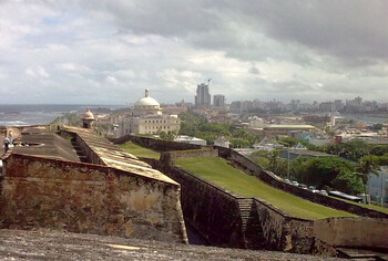В Пуэрто-Рико введён режим ЧП из-за надвигающегося тропического шторма