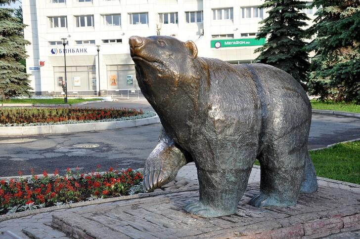 Скульптура «Легенда о пермском медведе»