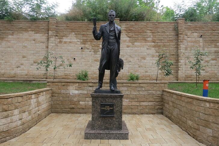 Памятник А. Ф. Реброву