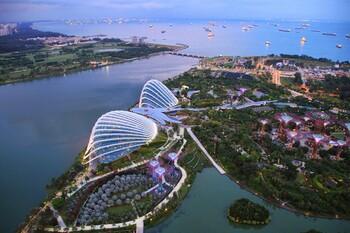 Все прибывающие в Сингапур будут носить электронные браслеты во время карантина