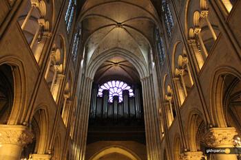 В Соборе Парижской Богоматери начали демонтировать большой орган