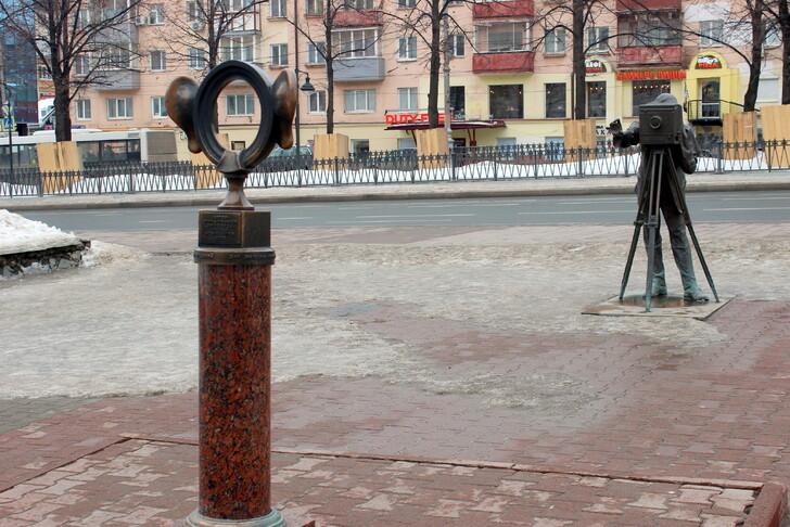 Памятник «Пермяк – соленые уши»